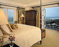 A guest room with an ocean view at The Sanctuary at Kiawah Island Golf Resort