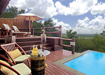 The Makwela Suite features a deck with a swimming pool