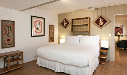 A guest room at the Del Marcos Hotel in Palm Springs, CA