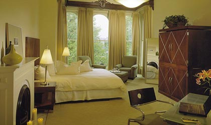 A room at The Mansion on Delaware Avenue in New York