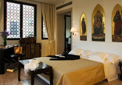 A guest room at Ca' Nigra Lagoon Resort in Venice, Italy