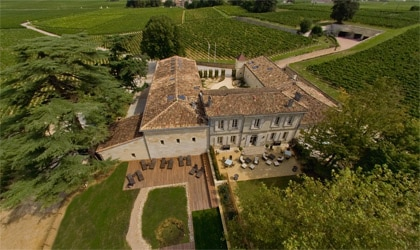 An aerial view of Le Relais de Franc Mayne in Gironde, France