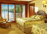 A guest room at Tides Inn in Irvington, Virginia
