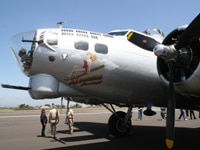 The EAA's B-17 Flying Fortress - Aluminum Overcast