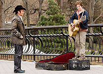 Robin Williams and Freddie Highmore in August Rush