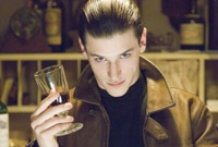"Gaspard Ulliel acquires his taste for Chianti in ""Hannibal Rising"""