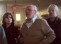 Laura Linney, Philip Bosco and Philip Seymour Hoffman in The Savages