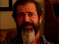Mel Gibson, an electric vehicle supporter, is interviewed in Who Killed the Electric Car?