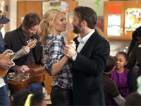 Gwyneth Paltrow and Tim McGraw in Country Strong