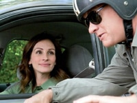 Julia Roberts and Tom Hanks in Larry Crowne