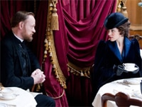 Jared Harris and Rachel McAdams in Sherlock Holmes: A Game of Shadows