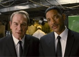 Tommy Lee Jones and Will Smith in Men in Black III