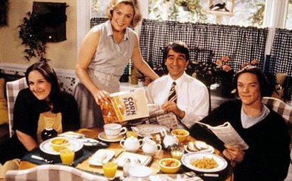 Rikki Lake, Kathleen Turner, Sam Waterston and Matthew Lillard in Serial Mom