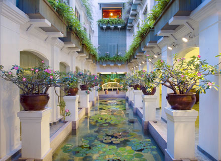 The luxurious The Oriental Spa at the Mandarin Oriental Bangkok hotel