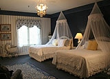 Victorian Wicker spa suite at Chateau Elan