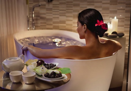 Relax with a therapeutic bath at Spa on the Plaza