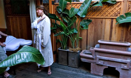 Le Petite Retreat spa in Los Angeles offers an outdoor cabana and bungalow for massages