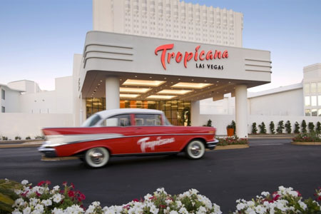 Celebrity chef Robert Irvine will open his first restaurant at Tropicana Las Vegas in 2017