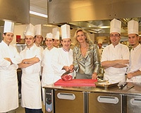 Sophie Gayot and a group of chefs