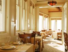 A dining area at Studio in Laguna Beach