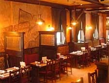 THIS RESTAURANT HAS CHANGED LOCATIONS McNally's Traditional Irish Pub, St. Charles, IL