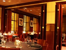 Dining room at Sullivan's Steakhouse, Chicago, IL