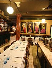 Dining room at Le Bistrot des Alpilles, Saint-Rémy-de-Provence, france