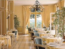Dining room at Chateau de Noirieux, Briollay, france