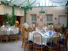 Dining room at Le Relais Fleuri, Avallon, france