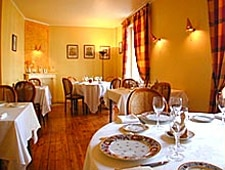 Dining room at L'Ambroisie, Quimper, france