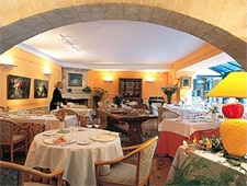 Dining room at Pont de l'Ouysse, Lacave, france