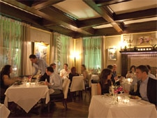 The dining room of Restaurant CINQ