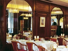 Dining room at THIS RESTAURANT IS TEMPORARILY CLOSED L'Obe, Paris, france