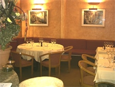 Dining room at Bellini, Paris, france