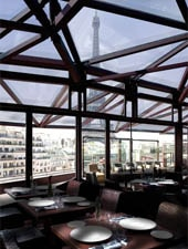 Dining room at Les Ombres, Paris, france