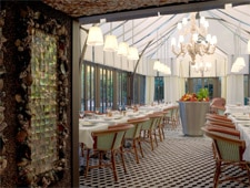 Dining room at Il Carpaccio, Paris, france