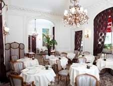 Dining room at Raphael, Paris, france