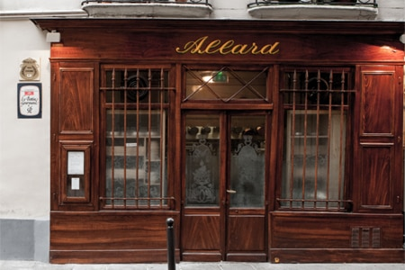 Thanks to Alain Ducasse, this old-fashioned bistro has regained its former luster.