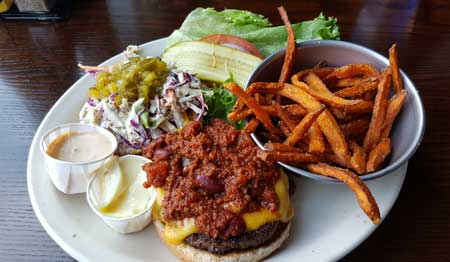 Charlotte burger joint heads to Atlanta