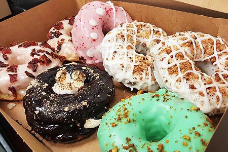 Birdies serves up artisanal donuts, fried chicken and Intelligentsia coffee in DTLA.