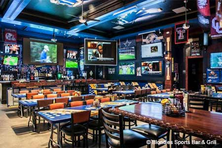 One of GAYOT's Top 10 Sports Bars in Las Vegas, Blondies features numerous big-screen TVs and drink specials