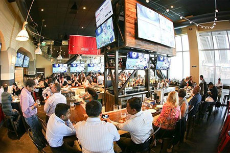 Michael Mina's Bourbon Pub at Levi's Stadium is casual, boisterous and filled with energy and football stadium-appropriate fare