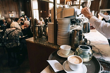 Cafe Sabarsky in NYC emulates Vienna's famouse coffeehouses