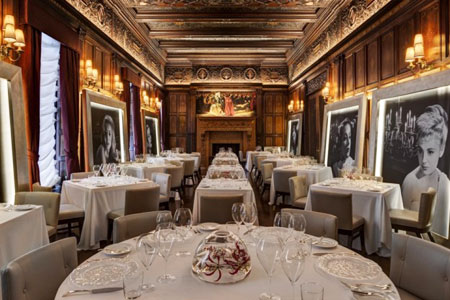 Enjoy a romantic night out at Gallery at Villard Michel Richard, one of the Best Romantic Restaurants in New York