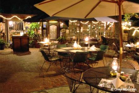 Grey Moss Inn, Grey Forest, TX