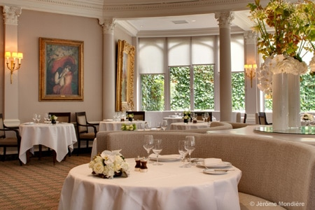 Dining room at Laurent, Paris, france