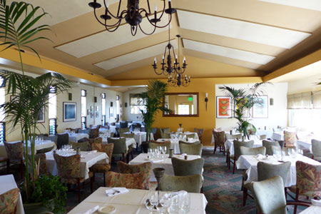 The dining room at Merriman's, one of GAYOT's Top 10 Hawaii Regional Restaurants