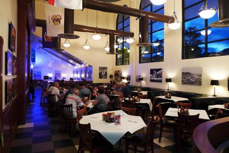 Milton's Delicatessen, Grill & Bakery, Del Mar, CA