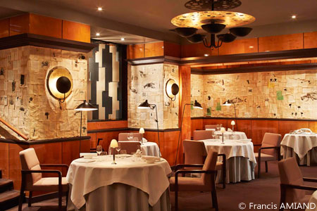 Dining room at Pierre Gagnaire, Paris, france