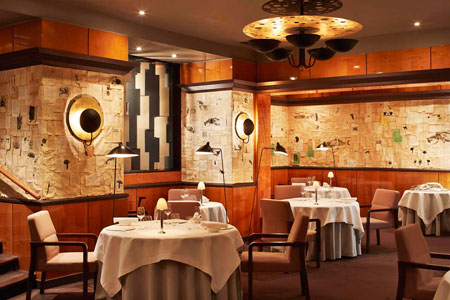 Find the best restaurants in France, including Pierre Gagnaire in Paris